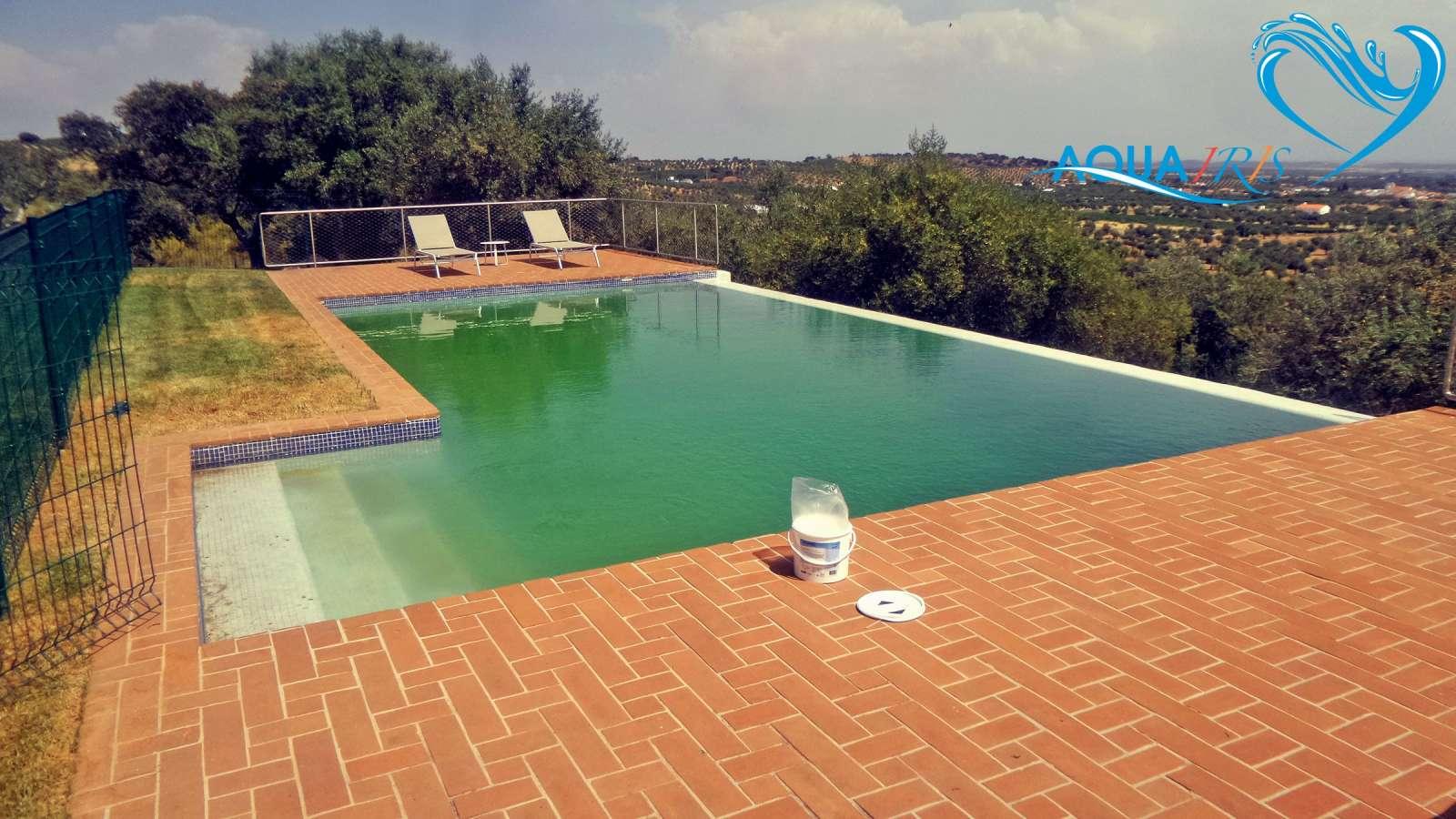Agua verde piscina alentejo antes servi os de repara o - Agua de piscina verde ...